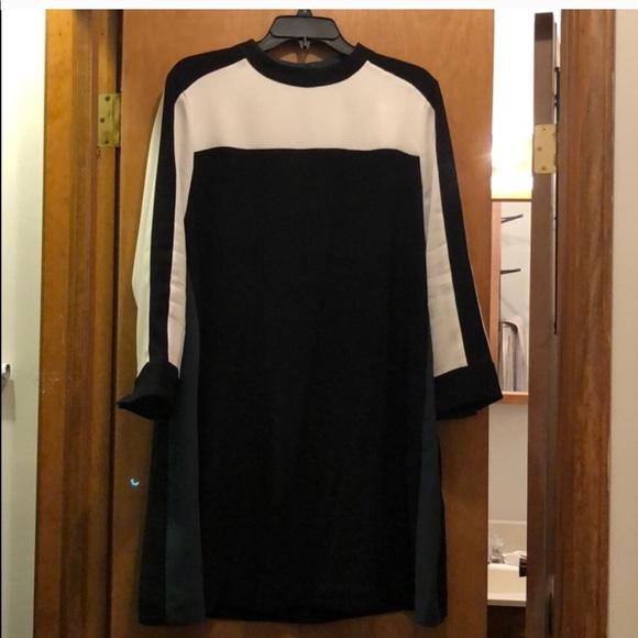 1b5bcee6d27 BCBGMaxAzria Dresses   Skirts - BCBGMaxazria Stephanie Color Blocked Dress